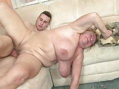 lezbijski seks s ogromnim sise