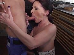slatka azijska djevojka porno